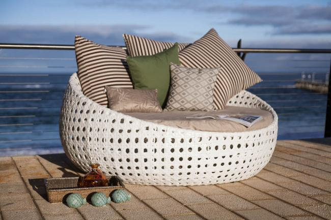 Tahiti Outdoor Day Bed | Living Vogue