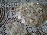 MOTHER OF PEARL  MONOGRAM BUTTONS - Reflets de Soie