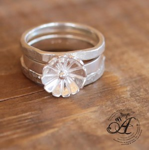 Flower Feature Stacking ring