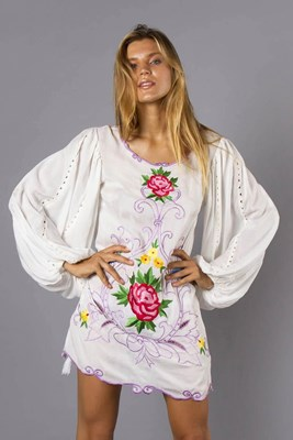 """Gin & Tonic"" Women's embroidered smock dress - white"