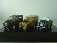 76SET05 Landrover Set Contains ssorted Landrovers