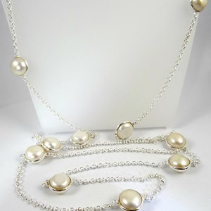 NEW - REALLY long chic pearls