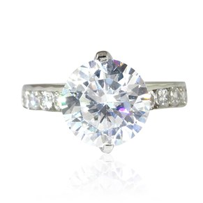 Solitaire with Diamond Shoulders