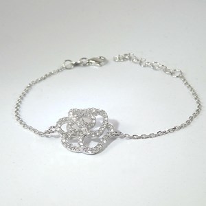 NEW! The Diamond Flower Bracelet - the hottest look in Europe!