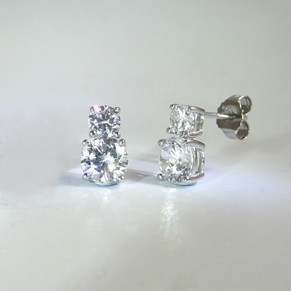 NEW - Double Diamond Stud Earring