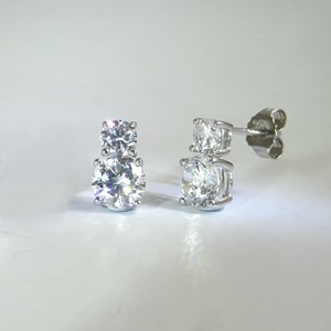 The Double Diamond Stud Earring