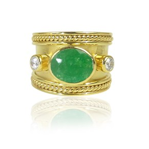 The Fabulous Emerald Onyx Guinevere Ring