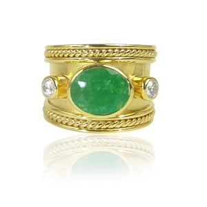 The Fabulous Green Onyx Guinevere Ring