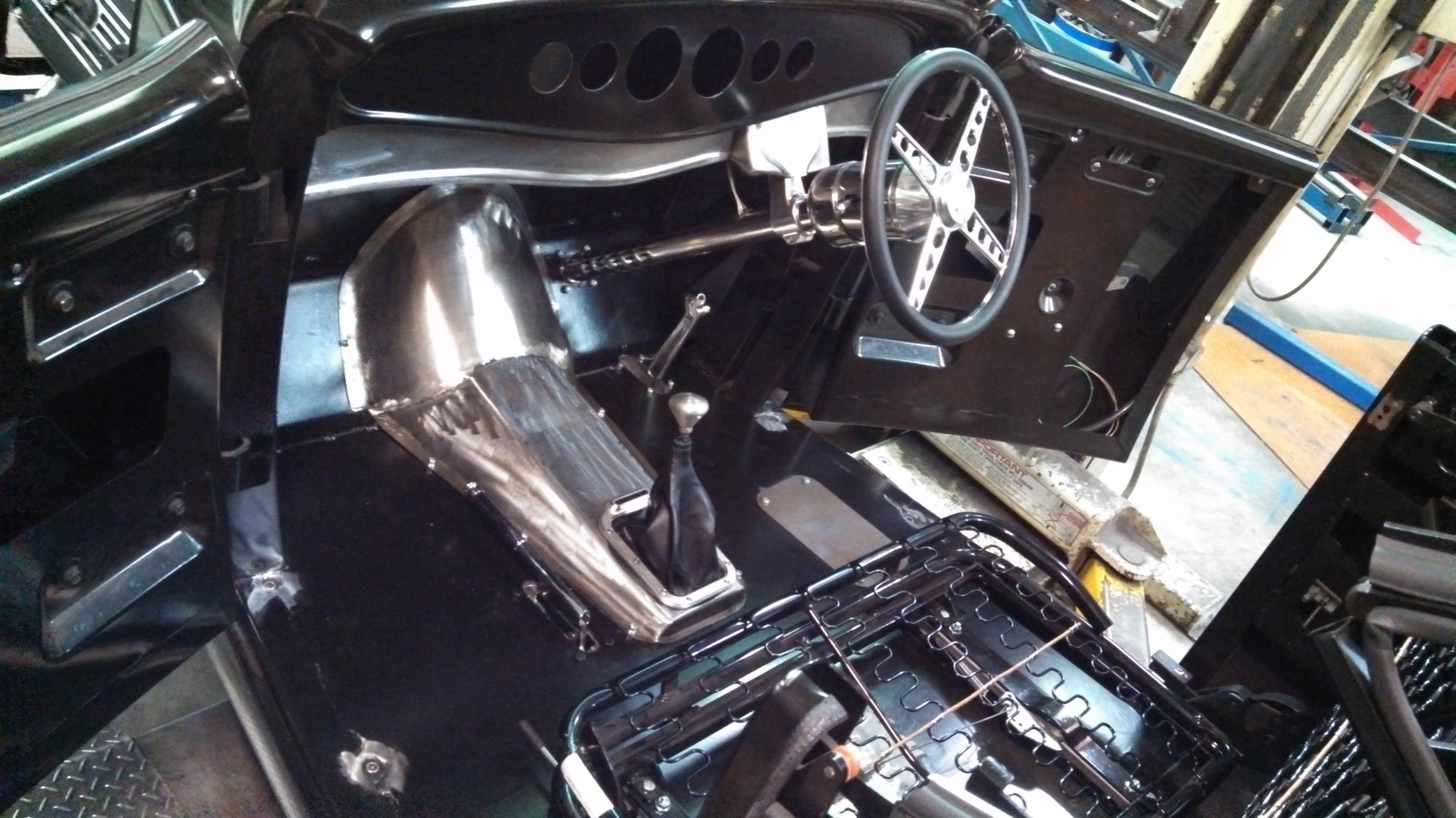 Hot Rod interior fit up, custom dash board panel and trans tunnel