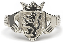 Heraldic Ring - L200 ,To find out if we have your families coat of arms in our huge database system please feel free to call or email one of our friendly staff members anytime.