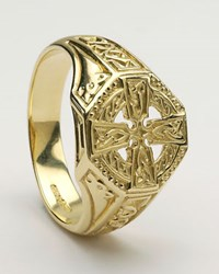ID225 - Celtic Cross Ring,This unusual ring is a traditional celtic cross, with Irish love knots.