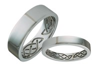 ID324W   Hidden Eternity Wide,The knot on this ring is the basic celtic love knot, symbolizing forces moving in harmony forever.